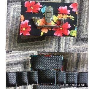 Caboodles Jewelry/Makeup Expandable Travel Case